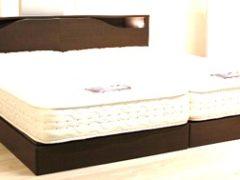 シングルベッド 右
