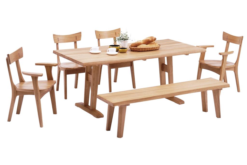 180幅T脚テーブルに165幅ベンチ+アームレスチェア2脚+アームチェア2脚のセット
